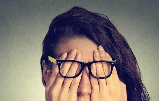 香港的視神經炎發病率為每年每十萬人有1.2宗病例,而平均發病年齡為40 歲。超過七成的患者為女性,而18歲以下或50歲以上的病人則較為少見。